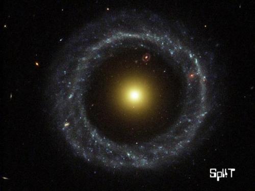 galaxieanneau.jpg